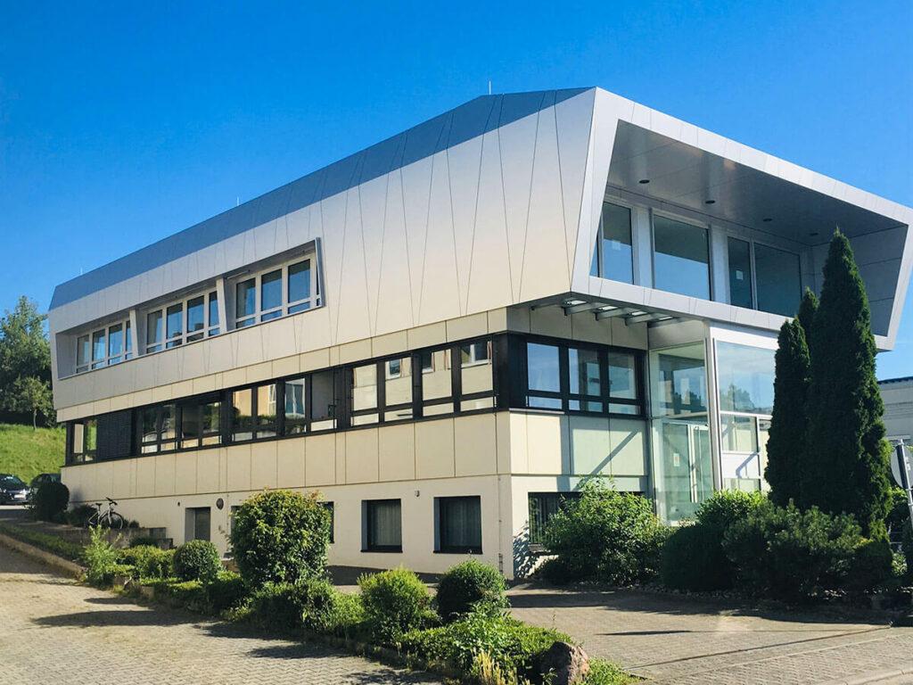 Dentallabor Klein-Winternheim - Fassade Alucobond