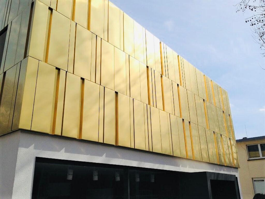 Wohn-und Geschäftshaus Mainz - Fassadenbekleidung Kupfer-Goldlegierung