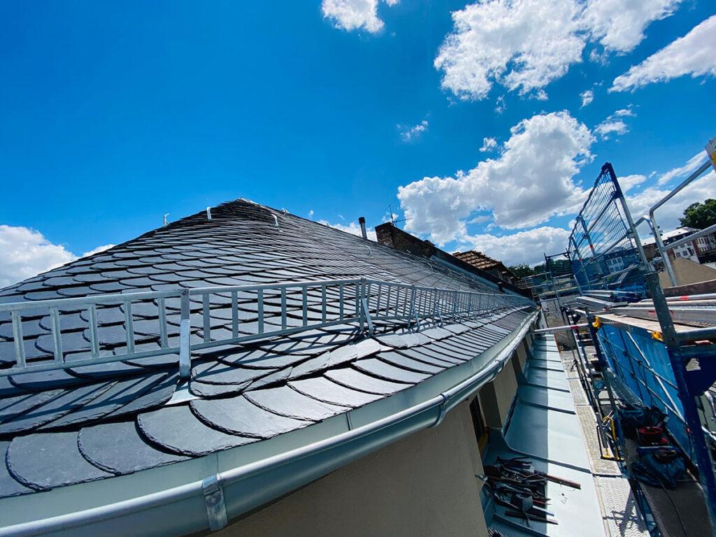Jakobsbergstr. Mainz - Dachsanierung in Schiefer und Stehfalz