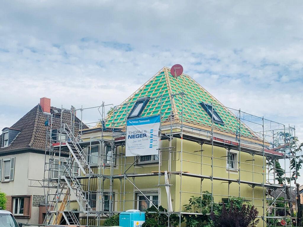 Wohnhaus Ginsheim - Energetische Sanierung der Dacheindeckung mit Tonziegel